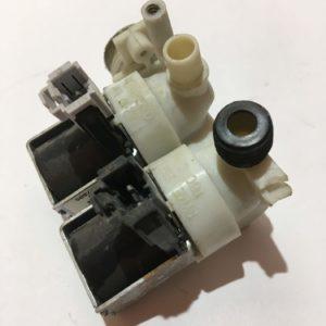 Б/У Клапан (электромагнитный) подачи воды для стиральной машины Ariston QVE91219SUS