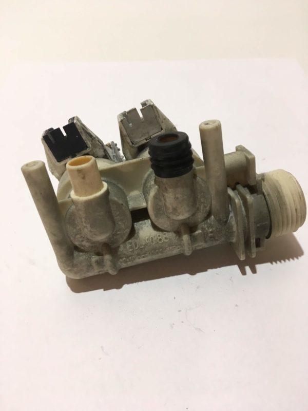 Б/У Клапан (электромагнитный) подачи воды для стиральной машины Ariston ARXL 100