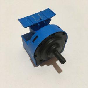 Датчик уровня воды (прессостат) для стиральной машины Ariston QVE 912195 c15