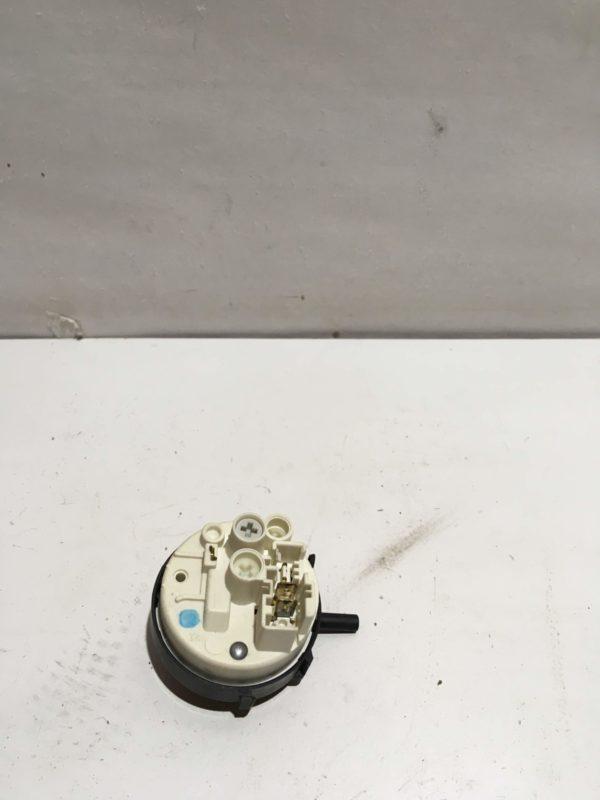 Датчик уровня воды (прессостат) для стиральной машины Whirlpool AWE6314/1