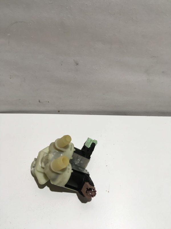 Заливной клапан для стиральной машины Electrolux EWS106410W