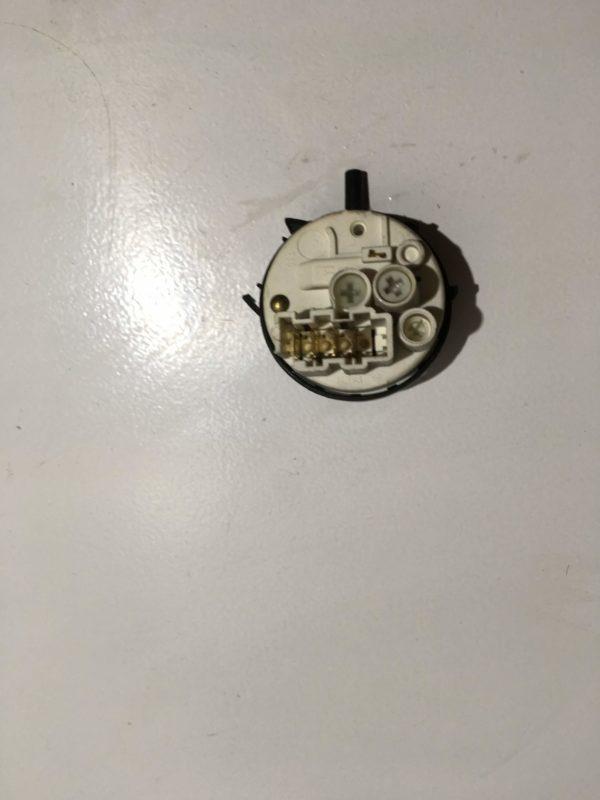 Датчик уровня воды (прессостат) для стиральной машины Samsung S821