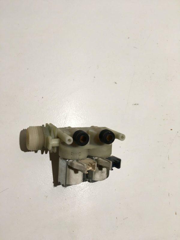 Заливной клапан для стиральной машины Indesit WIUN81