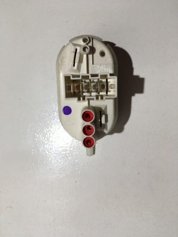 Прессостат для стиральной машины Bosch WFO 2042