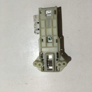 Блокировка дверцы люка (замок) для стиральной машины Indesit WISA 61