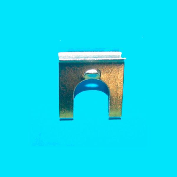 Скоба-крепеж свечи поджига, термопары для плиты Gorenje 609252