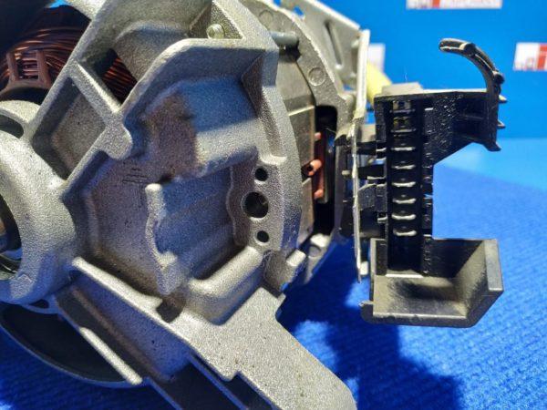 Двигатель (мотор) Б/У для стиральной машины Zanussi TA1033V 1240528008