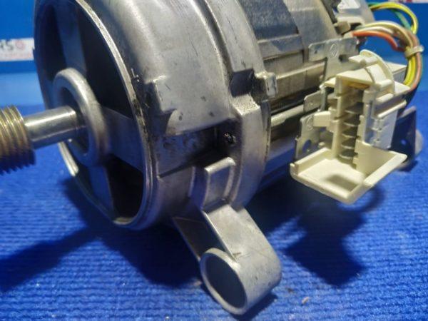 Двигатель (мотор) Б/У для стиральной машины Zanussi ZWN7148L