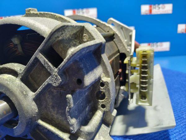 Двигатель (мотор) Б/У для стиральной машины Zanussi WD1601 1243047030