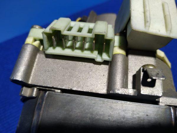 Двигатель (мотор) Б/У для стиральной машины Ariston арт.16001313500