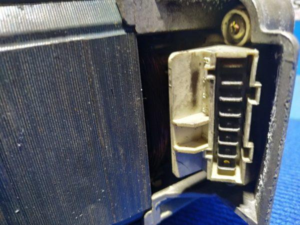 Двигатель (мотор) Б/У для стиральной машины Siemens WD61430 арт.129.19.193
