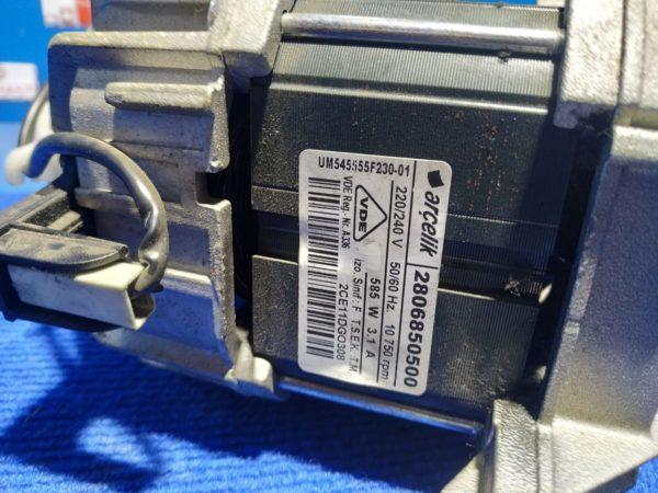 Двигатель (мотор) Б/У для стиральной машины Beko WME55100 арт.2806850500